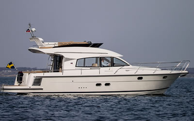 Solent Boat Training - RYA Powerboat Sailing Motorboat & Jetski
