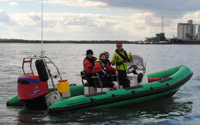 RYA-POWERBOAT-COURSES-u9RJc8.jpg